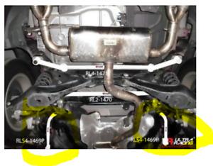 Audi Q3 11+ 2.0 TFSI + TDI  BARRA ULTRA RACING ACCIAIO BARRA POSTERIORE LATERALI