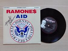 RAMONES – ''CRUMMY STUFF''- 7'' VINYL SINGLE. HAND SIGNED BY MARKY RAMONE.