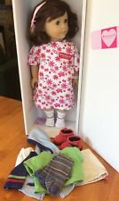 AMERICAN GIRL LINDSEY DOLL 2001 GIRL OF THE YEAR W/OUTFIT- HOME FROM HOSPITAL