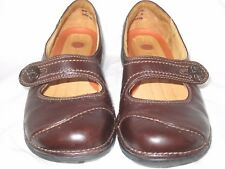 Womens 7.5W Clarks Unstructured Brown Leather Mary Jane Flats Sandals Shoes