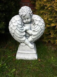 Engel Mit Eingerollten Flügeln Groß Grabschmuck aus Steinguss