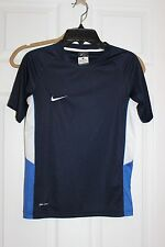 NIKE BOYS SMALL SHORT SLEEVE SHIRT
