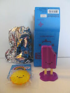 """Kidrobot - BFFs """"Will Make You LOL"""" by Travis Cain - Minis - Ray and Pops"""
