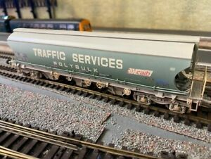Bachmann 38-425 Covered Hopper Traffic services (Weathered)