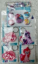 SET OF MY LITTLE PONY 4x RUBBER KEYCHAINS + 1x PIN BADGE PACK HASBRO