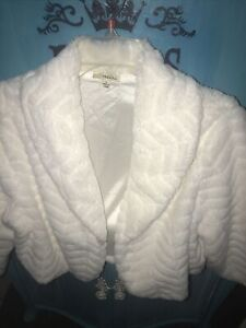 White Faux Fur Crop Winter Shrug w/sleeves L