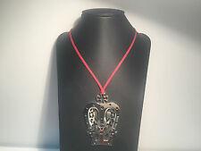 Nuevo - Collar Necklace REBECCA - Cordon Rojo + Colgante Corona de Acero