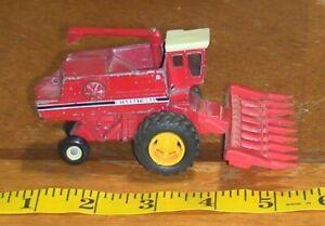 Vintage ERTL Case IH International Harvester Combine 1520 1/64 Scale