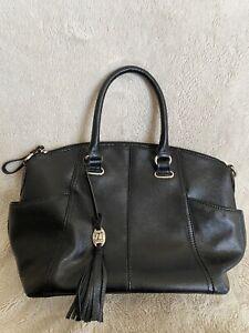 Tignanello Women's Black Handbag 100% Leather with Pockets EXCELLENT condition!