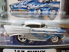 MUSCLE MACHINES (1957) '57 CHEVY BEL AIR  - SILVER / BLUE FLAMES - 1/64 DIECAST