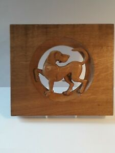 DOG WALL PLAQUE, HAND CARVED OAK BY R. SUTTON   NEWFIELDS GALLERY. PEAK DISTRICT