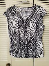 NWT $24 Worthington Black & White Print Blouse Size Medium