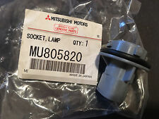 Mitsubishi OEM Front Light Turn Signal Socket  Eclipse Galant Endeavor 1999-2012