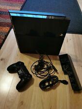 Sony PlayStation 4 500GB mit Controller und 2 Spielen