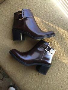 Women ZARA  basic booties size 8/ 38EU TRAFALUC dark brown