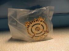 1994 KODAK WORLDWIDE SPONSOR 2 RIFLES W/ TARGET VICTORIA CANADA OLYMPIC PIN