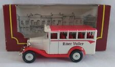 CORGI CAMEO VILLAGE COLLECTION BEDFORD BUS RIVER VALLEY BOXED