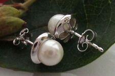 Künstliche Echtschmuck im Ohrstecker-Stil mit Perle