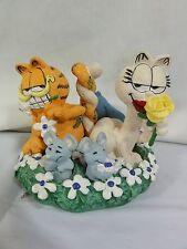 """Danbury Mint Garfield """" Love In Bloom """" Very Detailed Figure"""