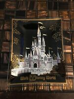 Walt Disney World CINDERELLA CASTLE Souvenir Glass Ashtray Candy Dish Vintage *