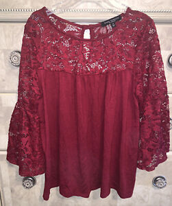 Green Envelope Gorgeous Dark Red Lace Top - Babydoll Medium - EUC Bell Sleeves