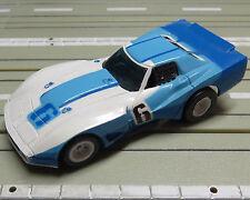 für Slotcar Modellbahn  --    Corvette  mit  Tomy  Fahrwerk  !