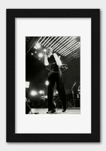 David Bowie - In concert at Wembley 1976 Print Black Frame White A3 (29.7x42cm)