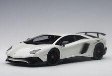 74555 AUTOart 1:18 Lamborghini Aventador LP750-4 SV (Pearl White)