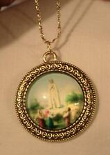 Lovely Swirled Rnd Goldton Our Lady of Fatima Glass Cameo Medal Pendant Necklace