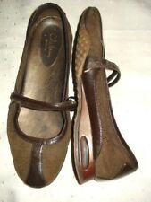 Cole Haan Size 8 B Womens Shoes Brown Suede Flats