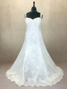 Ivory Lace Boho Vintage Style Sweetheart Fitted Wedding Gown With Straps Size 20