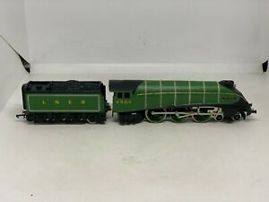 Wrenn OO Gauge W2413 Special Limited Edition 4-6-2 A4 'Bittern' LNER Green #4464