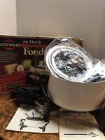 Vintage West Bend 2 Quart Electric FONDUE POT SET White Heat Control 4 Fork MINT