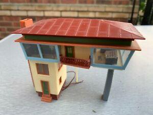 Vintage Illuminated HO Continental Signal Box/Tower Model Kit Built