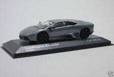 Véhicules miniatures métalliques en métal blanc 1:43
