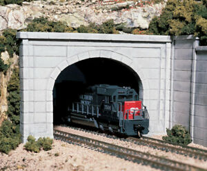 Woodland Scenics HO Scale Tunnel Concrete Double Portal C1256