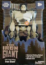 The Iron Giant - Lights & Sound Walking Iron Giant - Warner Bros.