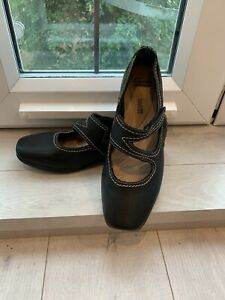 Clarks ladies black real leather comfort Mary Jane flat casual shoes size 7D