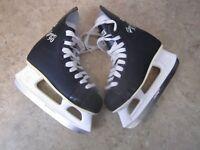 CCM Hockey Ice Skates junior size ;3 Champion 90