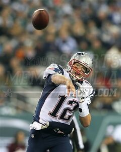 Tom Brady New England Patriots in action throwing 8x10 11x14 16x20 photo 2070