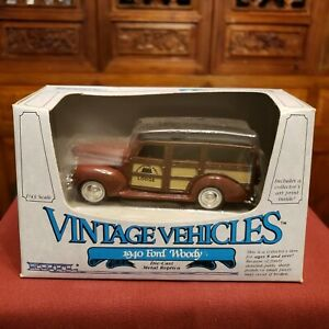 NEW IN BOX ERTL Vintage Vehicles 1940 Ford Woody 1/43 Scale #2517