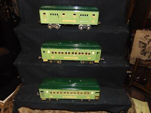 Set of 3 Nice Lionel Original Prewar Two-Tone Green 300 Series Passenger Cars