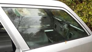 Mercedes W124 1246730310 300TE E320 Wagon left rear quarter glass 300TD 87-95