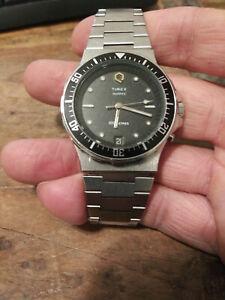 Vintage 1980's Timex Q 100 Meter Stainless Steel Men's Divers Watch Nice!!