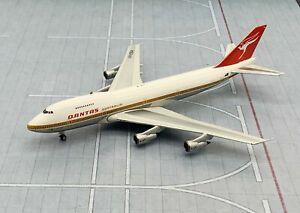 Phoenix Models 1:400 Qantas Airways Boeing B747-200 'Delivery' VH-EBA