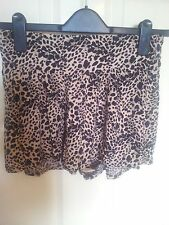 Women's Clothing New Shorts size 8 in black & tan from Internacionale