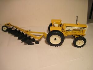 Minneapolis-Moline Farm Toy Tractor 1/16 G550 with MM Plow SHARP Set!