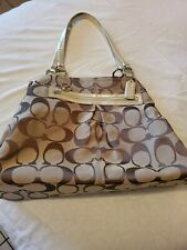 COACH handbag used large pre-owned, Exellent condition.