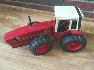 International Harvester Farm Toy Tractor 3588 2+2 Ertl 1/16