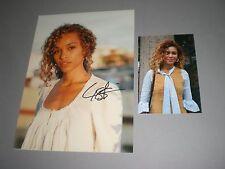 Izzy Bizu White Tiger signed signiert autograph Autogramm auf 20x28 Foto in per.